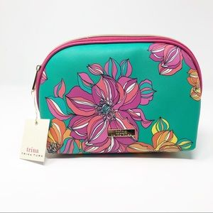 Trina Turk Bags - New Trina Turk Green & Yellow Floral Cosmetic Bag